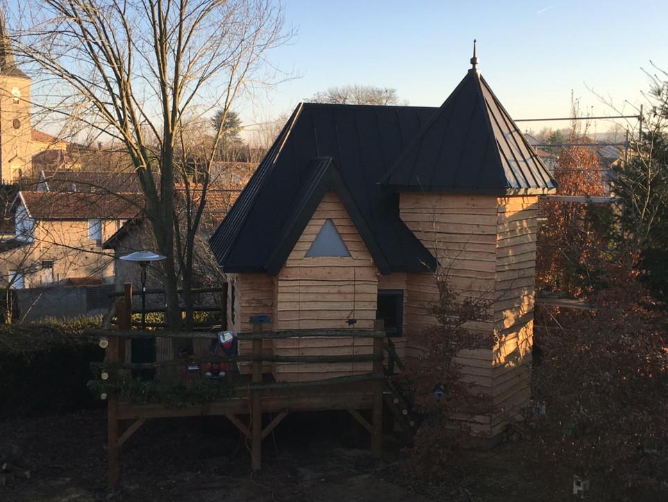 Cabanes et abris insolites en bois