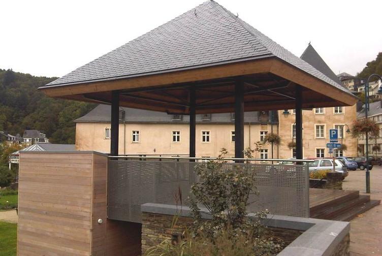 Entreprise construction structures extérieures : kiosque en charpente traditionnelle Belgique - Martin charpentes