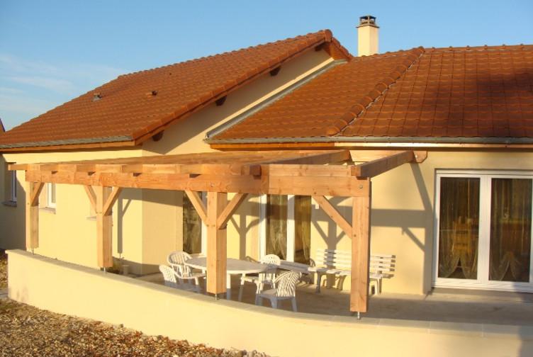 Entreprise construction bois : terrasse couverte en charpente traditionnelle, Meurthe et Moselle - Martin charpentes
