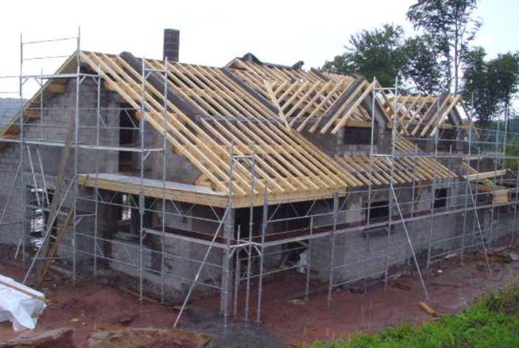 construction maison neuve charpente traditionnelle martin charpentes. Black Bedroom Furniture Sets. Home Design Ideas