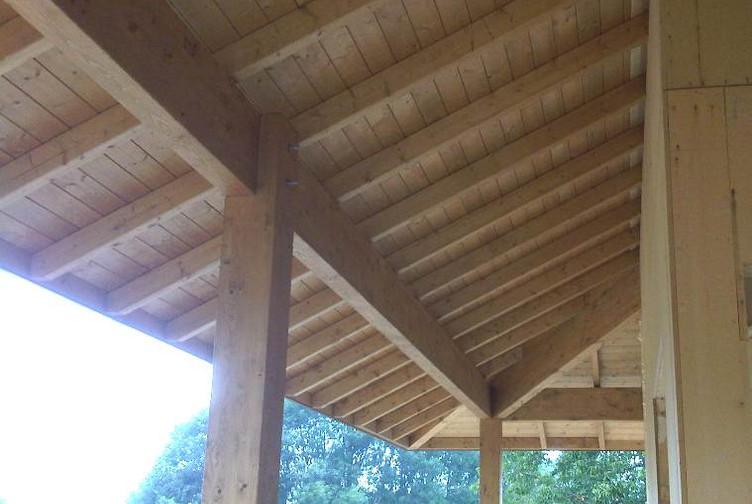 Entreprise construction maison bois : maison individuelle avec terrasse couverte, hautes savoie - Martin charpentes
