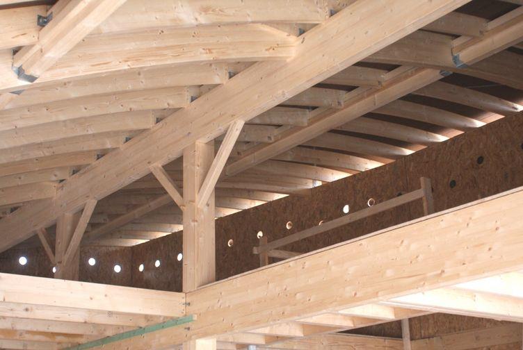 Construction bois Grand Est : Crèche en ossature bois, enduit coloré, Luxembourg - Martin charpentes