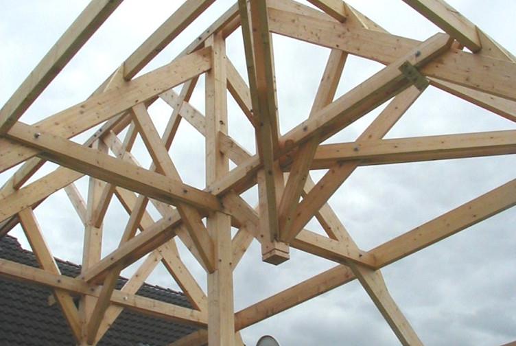 Entreprise construction bois : piscine couverte en charpente traditionnelle, Moselle - Martin charpentes