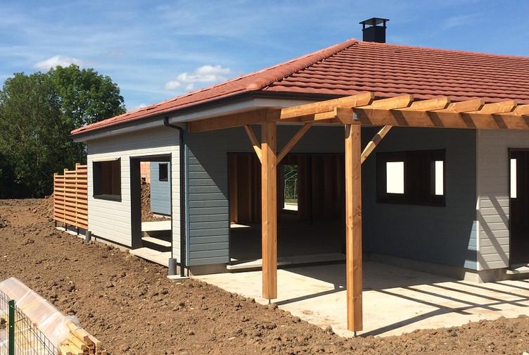 Entreprise construction bois Grand Est : maison ossature bois, bardage bois et structures en bois extérieur – Martin charpentes