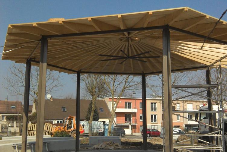 Entreprise construction charpente bois Lorraine : kiosque à Mours en Ile de France - martin charpentes