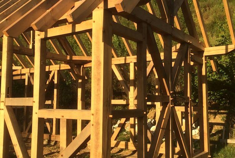 Entreprise construction charpentes bois : site archéologique de Nasium – martin charpentes