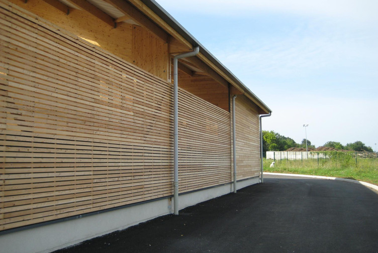 Entreprise construction charpente traditionnelle bois en Lorraine : hangar de stockage à Pompey - martin charpentes